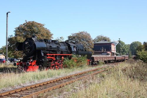 52 8131 mit Schotterzug in Klostermansfeld
