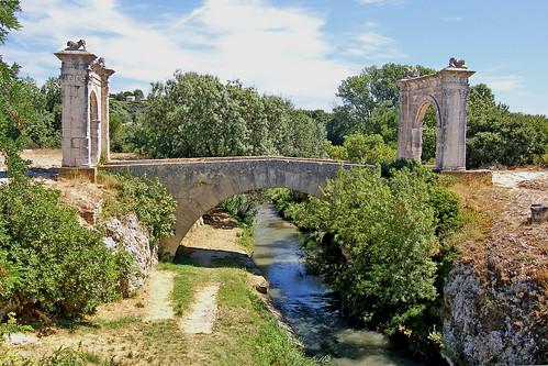 Pont Flavien