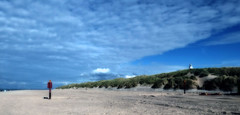 niemand (roberke) Tags: strand beach sea noordzee northsea dunes duinen wolken clouds sky lucht verlaten empty nature natuur outdoor ouddorp goereeoverflakkee zuidholland netherlands nederland sun zon zonnig