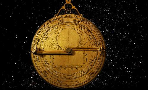 "Astrolabios, ubicantes de estrellas guía • <a style=""font-size:0.8em;"" href=""http://www.flickr.com/photos/30735181@N00/32230770610/"" target=""_blank"">View on Flickr</a>"