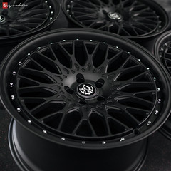 VRC110 | Textured Black