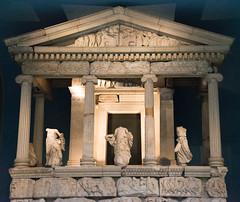 McQueen Photography-4282 (Images by Joanna McQueen) Tags: ancientgreece art boxgrove britishmuseum children davejoannamcqueen joannamcqueen mcqueenphotography museum schooltrip sculpture vase