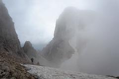Widok na przełęcz Travignolo, zejście ze schronu Gialle
