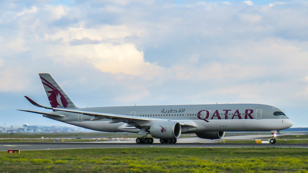 Qatar Airways Airbus A350-941 A7-ALE by Kiefer., on Flickr