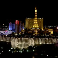 Fountains of Bellagio at night | Bellagio, Las Vegas
