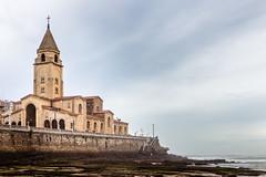 (Antonio Balsera) Tags: espaa gente gijn asturias es playadesanlorenzo iglesiadesanpedro principadodeasturias