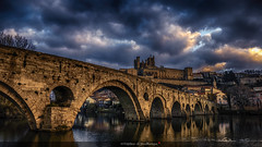 Plus au sud (Tra Te E Me (TTEM)) Tags: lumixfz1000 photoshop cameraraw hdr hérault béziers pont vieux nuages ciel petitmatin cathédrale saintnazaire