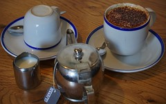 Smile on Saturday: round and round (quietpurplehaze07) Tags: tea cups teapot smileonsaturday roundandround coffee smileonsaturdayroundandround mug