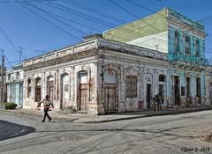 Crossing (Jean S..) Tags: corner cienfuegos buildings people outdoors street sky blue ancient old