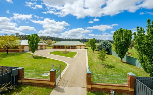 16 Clearwater Pl, Thurgoona NSW 2640
