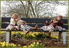 Kindergartenkinder ... (Kindergartenkinder) Tags: kindergartenkinder annette himstedt dolls sanrike gruga grugapark essen garten gras milina annemoni tivi blume osterglocken