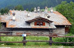 DSCN1350 (Ricchi60 - High hopes) Tags: chianale vallevaraita tetti camini comignoli lose finestre steccato ardesia abbaino mansarda