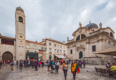 Luza Square with Bell Tower and St Blaise's Church (fotofrysk) Tags: luzasquare belltower stblaiseschurch tourists walk parade buildings architecture istriamontenegroroadtrip croatia dubrovnik adriatic coastdalmatian coastsigma ex 1020mm f456 dc hnikon d7100 201710089527