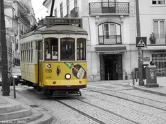Streetcar - Tramway (Noemie.C Photo) Tags: streetcar tram tramway lisboa lisbonne portugal jaune yellow noir blanc white black grey gris ville city transport old vieux rames rue street urbain