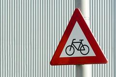 Beware of cyclists (Jan van der Wolf) Tags: map161184vve trafficsign roadsign verkeersbord lines lijnen red redrule grey grijs bewareofcyclists fiets cycle bicycle bike pole lamppost dof depthoffield scherptediepte
