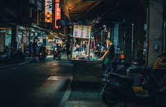 20180404-DSC03213 (Edge Lee) Tags: 街拍 street 55mm a7ii a7m2 a72 a7 night kaohsiung kao market