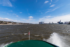 Very stormy (Chiller_46) Tags: hamburg germany elbe windy heavy wind