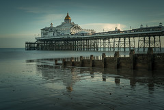 Reflective (Photo Lab by Ross Farnham) Tags: eastbourne pier sussex sony a7rii 2470mm f4 landscape long exposure le lee filters sea ocean beach