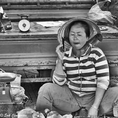 -c20180320-810_7111-2 (Erik Christensen242) Tags: hochiminhcity hồchíminh vietnam vn cobac vendor district1 saigon fish phone