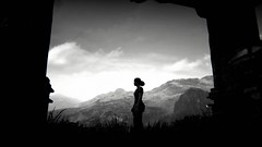 checking the scenery (hnt6581) Tags: digital sony ps4 naughtydog uncharted thelostlegacy bw monochrome nadine nadineross hnt6581 ingame screenshot
