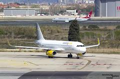 320 EC-MER Vueling (Dawlad Ast) Tags: barcelona cataluña catalunya españa spain marzo march 2018 aeropuerto internacional international airport el prat ebl avion plane airplane aircraft airbus 320232 ecmer vueling sn 6510 a32 320 a320