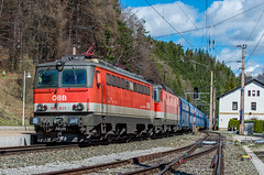 Arrived at Semmering station (westrail) Tags: nikon nikkor d810 dslr f28 digicam digitalkamera afs70200 vri lens objektiv fotograf photographer andreasberdan omot youmademyday europa europe österreich austria siemens öbb austrianfederalrailways österreichischebundesbahnen gleis schiene track ngc lokomotive locomotive loco train railway bahn semmering kurort unesco pkp coal kohle 1142 1142651 1144 railcargoaustria rca polskiekolejepaństwowe unescoworldheritagesite unescoweltkulturerbe semmeringbahn ghega karlrittervonghega panhans kohlezug güterzug cargotrain