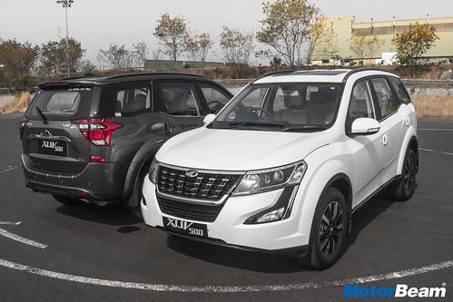 2018-Mahindra-XUV500-12