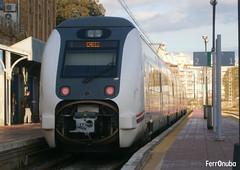 A, ¿Cádiz...? (FerrOnuba) Tags: renfe tren trenes automotor 449 huelva termino estacion nubes soleado 449013 destino cadiz ele real huelvatermino via composición operadora poste pantone anden direccion