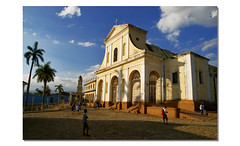 Iglesia de la Santísima Trinidad (dubus regis) Tags: cuba trinidad iglésia church église blue sky clouds