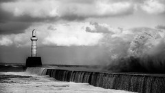 Waves, Aberdeen  [03] (that petrol emotion) Tags: img2626 southbreakwater aberdeen harbour storm waves hightide ships boats torrybattery