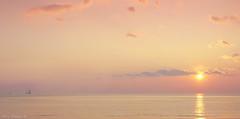 Minimal sunset (Darea62) Tags: minimal sunset seascape nature skyscape travel tramonto sea sky clouds reflections