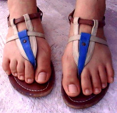 (pbass156) Tags: toes toefetish feet footfetish foot sexy fetish sandals shoes strappy sandalias