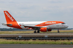 EasyJet 319-111 G-EZDO CDG (sebastien777) Tags: easyjet 319111 gezdo cdg airbus319 roissy airlines aircraft planes airplanes compagniesaériennes