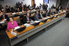 CAS - Comissão de Assuntos Sociais (Senado Federal) Tags: cas plc732011 reunião senadoramariadocarmoalvesdemse senadordalíriobeberpsdbsc senadorpaulopaimptrs senadorwaldemirmokapmdbms senadoraanaaméliapprs senadorairtonsandovalpmdbsp senadorareginasousaptpi brasília df brasil bra