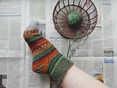 носок-на-ноге-процесс (Horosho.Gromko.) Tags: knitting socks knittedsocks knitinprogress knitsinprogress sockknitting loveknitting fooot leg feet вязание рукоделие носки ноги вязаныеноски вязаниеспицами вязаниенаспицах незаконченноевязание процесс process wip basket корзина корзинка