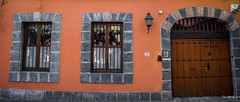 2018 - Mexico City - Doors/Windows - 6 of 13 (Ted's photos - Returns 23 Jun) Tags: 2018 cdmx coyoacan cropped mexico mexicocity nikon nikond750 nikonfx tedmcgrath tedsphotos tedsphotosmexico vignetting doorway door windows entrance entry reflection arches widescreen wideangle