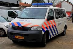 Politie Volkswagen Transporter Patrol Van (PFB-999) Tags: politie dutch police volkswagen transporter t5 patrol response van vehicle unit minibus carrier lightbar grilles rotators beacons leds 25xkjh amsterdam holland netherlands