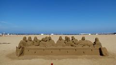 VALENCIA, SPAIN (pwitterholt) Tags: spain spanje strand zandstrand zand beach sandbeach sand thelastsupper easter pasen wittedonderdag valencia sculpture sandsculpture apostelen apostles jesus jezus bijbel bible canon canonsx40 canonpowershotsx40hs canonpowershot judas