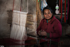 The lady and the loom (Calim*) Tags: loom portrait arts crafts laos tradition traditional