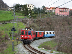FGC A9 (Maurizio Boi) Tags: fgc ferroviagenovacasella a9 elettromotrice cargo treno train zug rail railway railroad ferrovia eisenbhan locomotiva locomotive italy