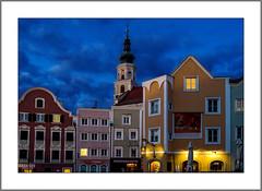 Es wird Nacht in Schärding (It's night in Schärding) (alfred.hausberger) Tags: schärding oberösterreich österreich at blauestunde
