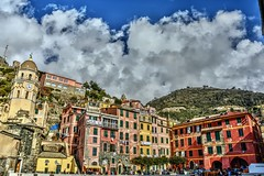 Vernazza (giannipiras555) Tags: nuvole colori chiesa colline