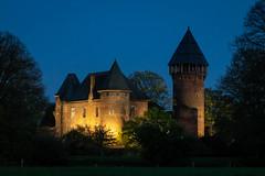 Burg Linn   Super Takumar f1.8/55mm   EOS M5 (towytopper) Tags: supertakumar burg krefeld linn abend bluehour abendstimmung nacht himmel gebäude architektur mittelalter baum turm gemäuer alt 55mm