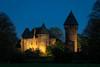 Burg Linn | Super Takumar f1.8/55mm | EOS M5 (towytopper) Tags: supertakumar burg krefeld linn abend bluehour abendstimmung nacht himmel gebäude architektur mittelalter baum turm gemäuer alt 55mm