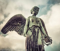 *HELPING ANGEL HAND* Check out my homepage for more pics: www.fotosucht.org Or follow me on Instagram #pawelsfotosucht #angel #helping #hand #sky #himmel #clouds #statue #monument #hope #hoffnung #copenhagen #kopenhagen #kobenhavn #memorial #denmark #däne (pawel.osuch_photography) Tags: instagram