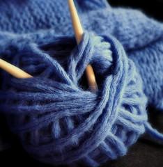 _blue Monday (SpitMcGee) Tags: sofakissen sofacushion blau blue wolle wool stricknadeln knittingneedles selbstgemacht homemade mm spitmcgee