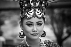 Beauty (frank.gronau) Tags: tradition beauty beautiful girl woman frau jakarta indonesien black white weis schwarz 7 alpha sony gronau frank