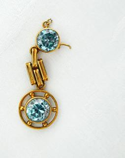 Broken pendant blues