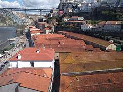 IMG_20180318_134104 (paddy75) Tags: portugal porto vilanovadegaia teleféricodegaia kabelbaan daken pannen douro rivier ponteluísi luisibrug boogbrug