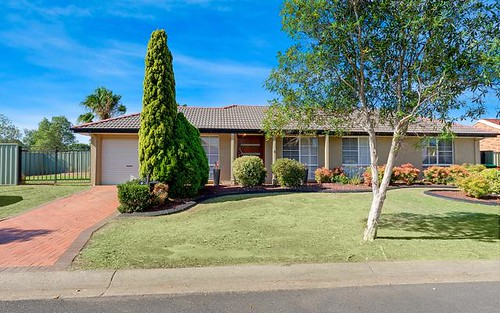 6 Byron Bay Cl, Hoxton Park NSW 2171